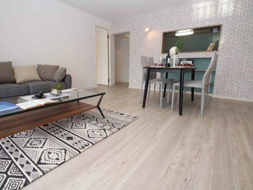 新規内装フルリノベーション済!きれいなお部屋で新生活を迎えられます!(居間)