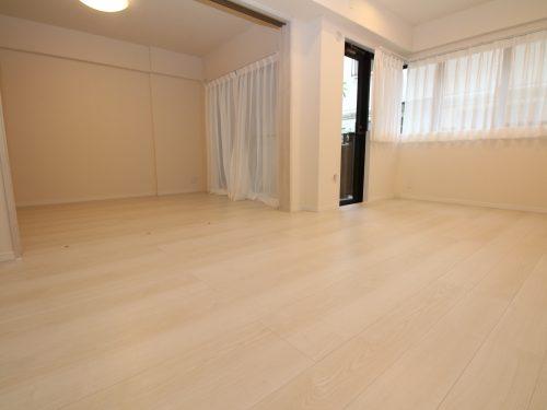 LDK+隣接洋室、間仕切りを開放すれば約18.5畳のおもてなしスペースに♪