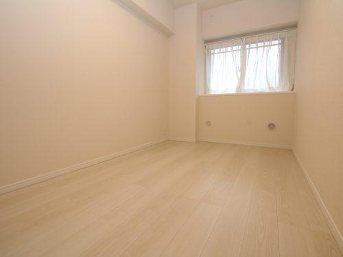 新規内装リノベーション済みできれいなお部屋で新生活が迎えられます!(寝室)