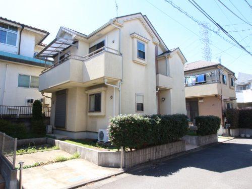 平成22年築で内外装ともきれいな建物です! すぐにお住まい頂けます!(外観)