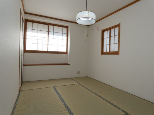 柔らかい畳の敷かれた和室は、ゆっくりくつろげるお昼寝スペース♪(寝室)